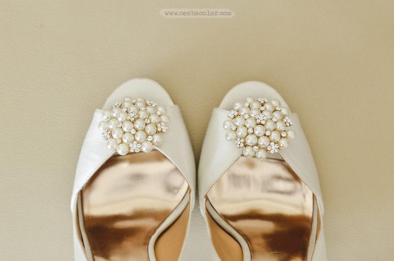 white-lace-Boracay-beach-wedding-09