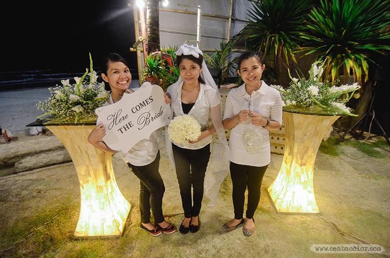 white-lace-Boracay-beach-wedding-29