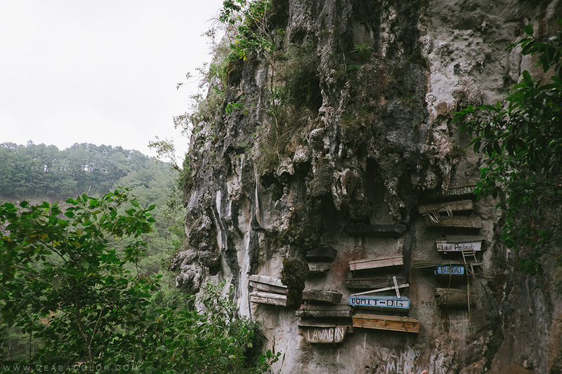 sagada-hanging-coffins-by-ceabacolor